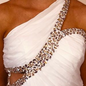 👗Host Pick!👗 Gorgeous White Formal Gown